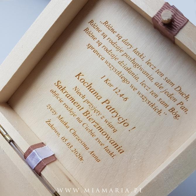 Drewniana skrzyneczka - Bierzmowanie (Mia Maria)