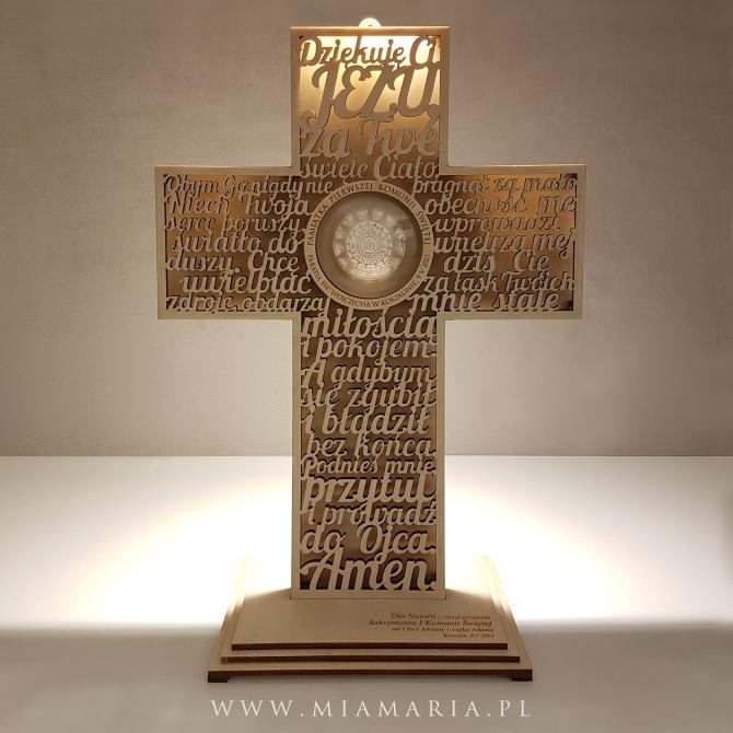 Krzyż z podstawką - Pamiątka Sakramentu I Komunii Świętej